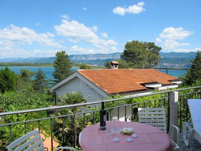 Photo for 4 bedroom Villa, sleeps 14 with FREE WiFi and Walk to Beach & Shops
