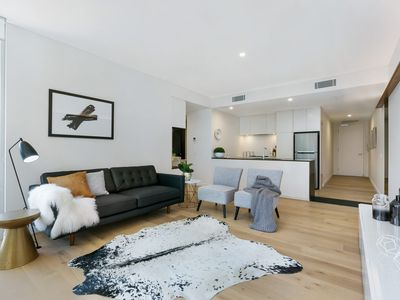 Photo for 2BR Apartment Vacation Rental in Crows Nest, NSW