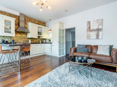Photo for Vauxhall Park Views - 2bed flat in Vauxhall - by BaseToGo