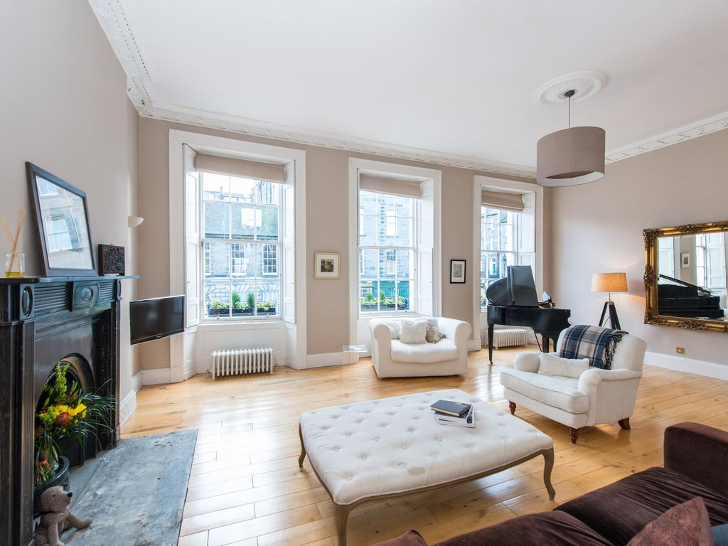 Truly Stunning Georgian Townhouse Centrally Located In Edinburghs New Town