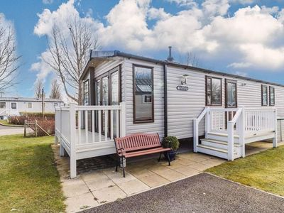 Photo for Luxury caravan for hire at Haven Hopton in Norfolk ref 80018