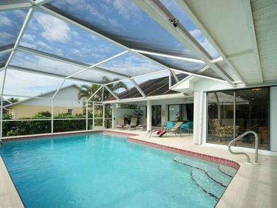 Photo for South-facing villa near Cape Coral harbour with a large pool