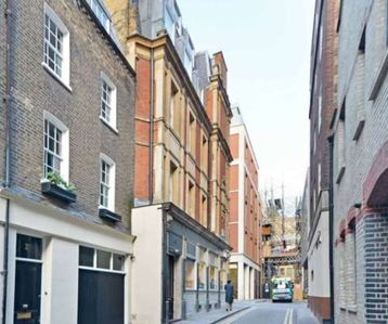 Photo for Exclusive Townhouse in Central London!