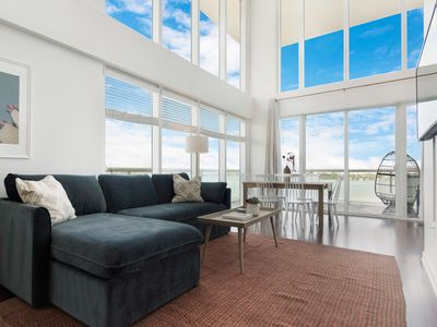 Photo for Harbor Island Condo 10th floor--10 minutes from Brickell, 10 minutes to South Beach