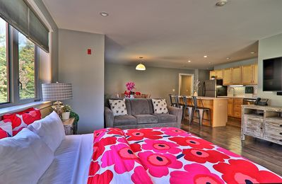 Photo for Newly Renovated Suite in the Heart of Killington! 2RM/2BA, Sleeps 6, Fireplace.