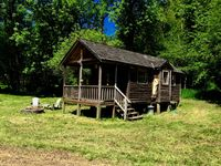 Lovely, charming cabin with beautiful views and great hikes