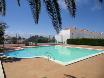 Photo for Semi-detached house in Roses (Puig Rom), in quiet residential amb pool and tennis court.