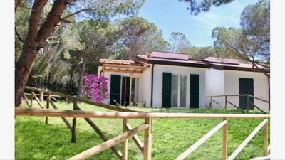 Photo for Sunset Holiday Villa in San Pietro Pinewood