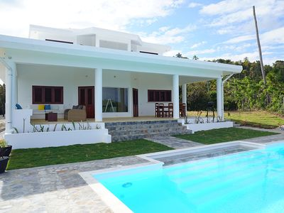 Photo for Private villa with pool, garden and sea views