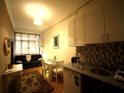 Photo for 1BR Apartment Vacation Rental in istanbul, Beyo?lu