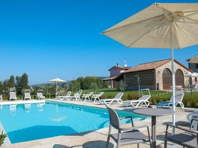 Photo for La Collina del Sole Sleeps up to 11 Beautiful Typical Umbrian Farmhouse with Poo