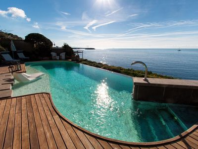 Photo for Fantastic villa on the sea, with swimming pool
