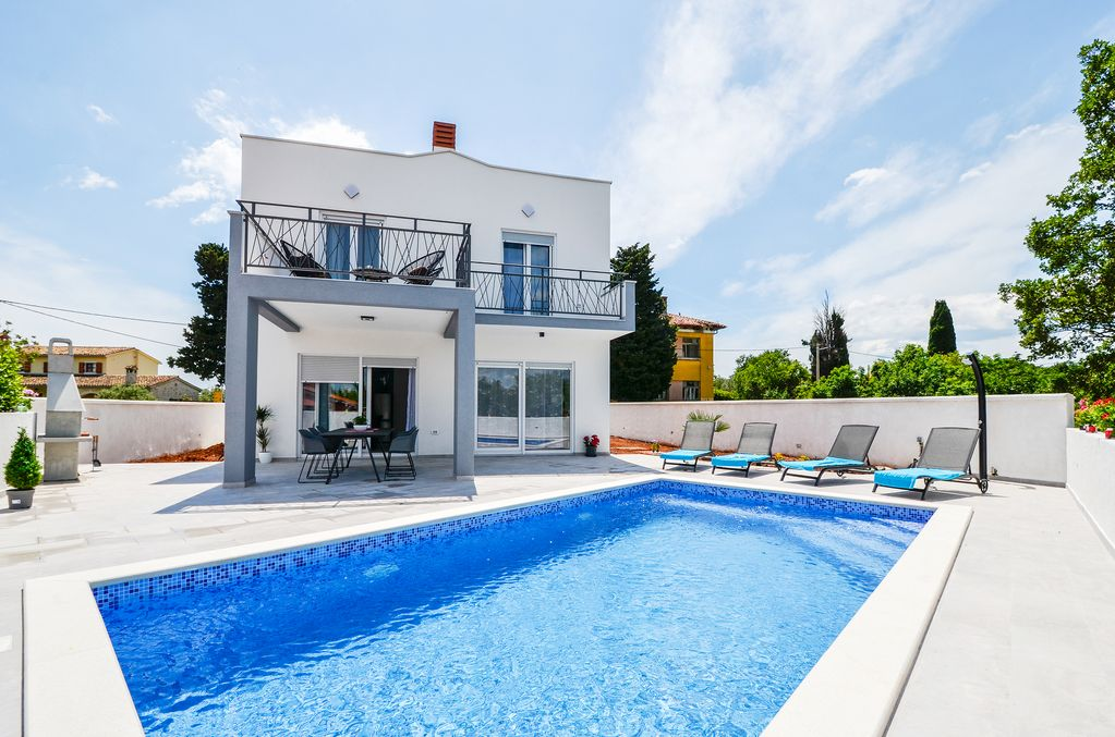 Villa Natali With Private Pool Only 2 Km From The Sea Kavran