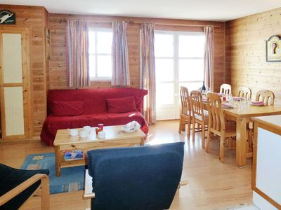 Photo for Cosy apartment for 6 people with TV, balcony, pets allowed and parking