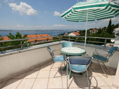 Photo for One bedroom apartment with terrace and sea view Dramalj, Crikvenica (A-5534-d)