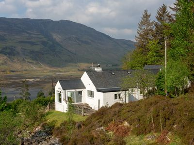Photo for 3-bedroom Highland Cottage with panoramic views across mountains and Loch Duich
