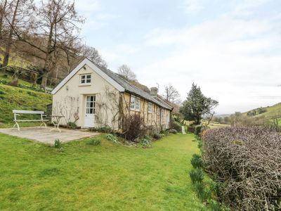 Photo for DOLGENAU HIR - THE BARN, pet friendly in Trefeglwys, Ref 965288
