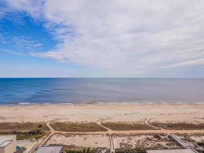 Photo for Spacious Upgraded Oceanfront 1BR  with large Den Sleeps 6 Flexible Check-in Days