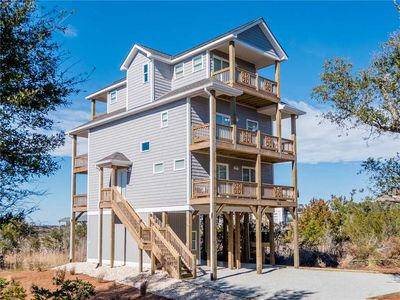 Photo for Lone Star: 4 BR / 3.5 BA house in Surf City, Sleeps 8 - Elevator, Community Dock