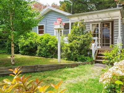 Photo for BIDWELL COTTAGE, a charming hideaway close to Lake Daylesford