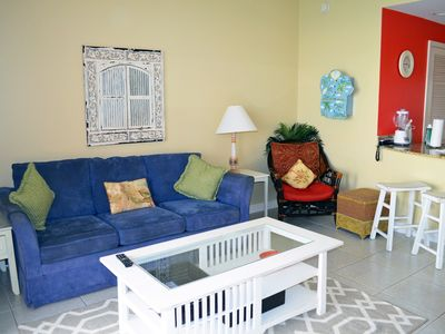 Photo for Splash Resort Beachfront 1BR Condo with Free Wi-Fi, cable TV and Beach Chairs!