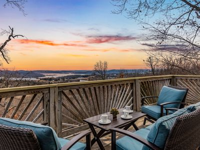 Photo for Lake View House, 4 Bedrooms + Convertible beds, 3½ Baths (Sleeps 8-14)