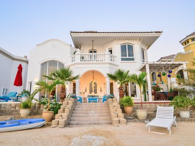 Photo for Fantastic Beachfront Home on The Palm Jumeirah, Dubai