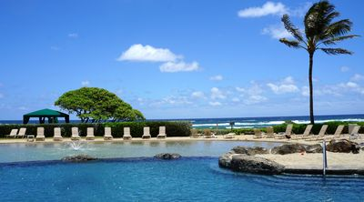 Photo for Beachfront Resort - Steps to Beach, Pools, Jacuzzi, Pool Bar- FREE WiFi!