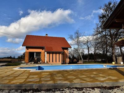 Photo for Atractive detached Villa with private heated swimming pool and covered terrace