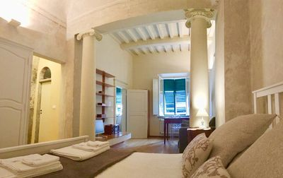 Photo for Cielo di carrozza - Historic residence on the arcades