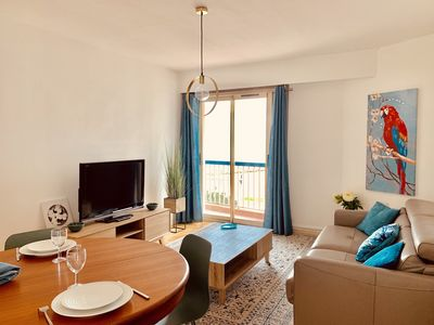 Photo for Sea view - beautiful 2 rooms - racecourse Cagnes-sur-mer