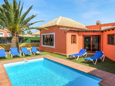 Photo for 2 bedroom Villa, sleeps 4 in Corralejo with Pool, Air Con and WiFi