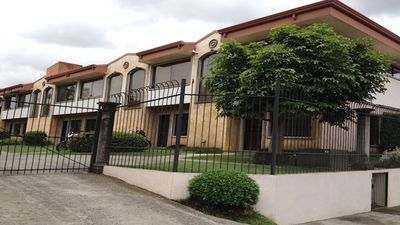 Modern, fully furnished one bedroom in a gated community