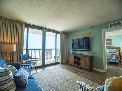 Photo for Beautifully decorated, ocean front + FREE DAILY ACTIVITIES!