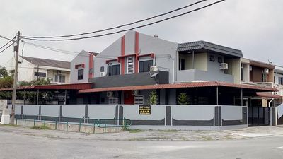 Photo for Rest & Relax 7 Rooms Ipoh Garden East