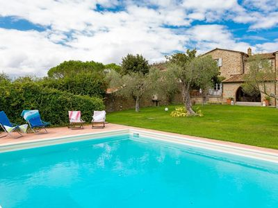 Photo for Wonderful private villa for 10 guests with private pool, WIFI, TV, pets allowed and parking