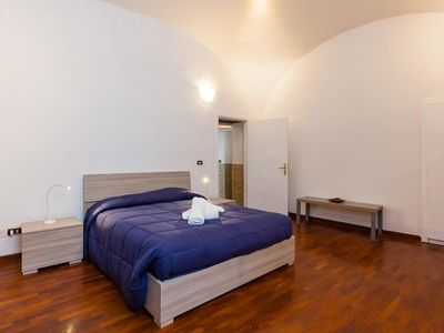 Photo for Apartment 930 m from the center of Naples with Internet, Terrace (917411)