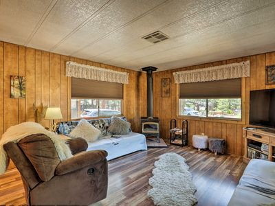 Munds Park Cabin w/Grill, Near Lake Odell & Hiking