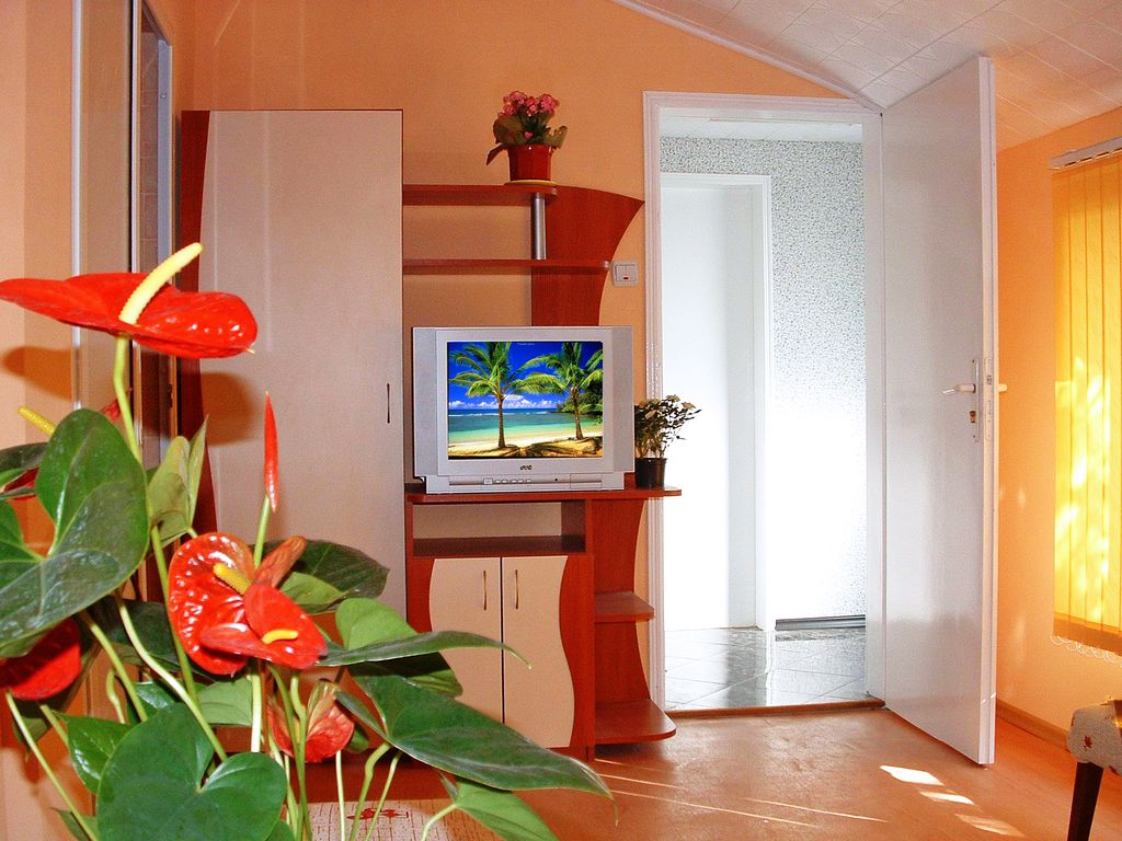 Small Apartment in Summer House Villa Photo 1