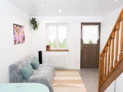 Photo for Superb new house with large flower garden, 4 people, 6 minutes from Disneyland