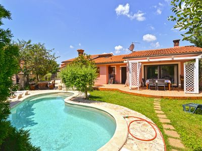 Photo for Holiday house Medulin for 6 - 8 persons with 4 bedrooms - Villa