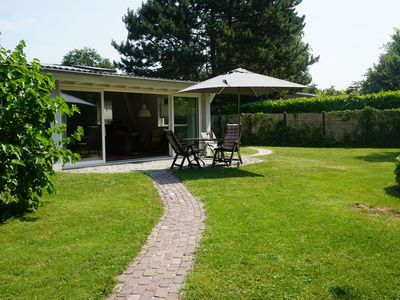 Photo for Detached holiday home with spacious garden and within walking distance of the Veerse Meer