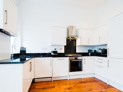 Photo for A sleek and sophisticated 1 bed located in trendy Notting Hill (Veeve)