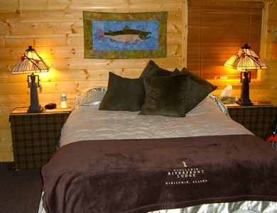 The YUKON RIVER ROOM-Queen bed and two-twins in bunkbed style. 3/4 private bath
