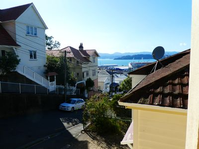 Photo for Superb self-contained studio flat minutes away from central Wellington