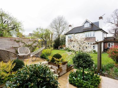 Photo for Charming & spacious 5BR family home close to picturesque Richmond Park