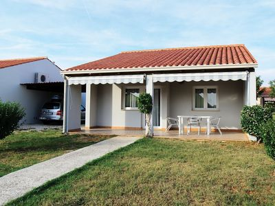 Photo for Carefully furnished bungalow with 2 bathrooms, 7km from Pula