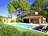 Great Finca, close to the historic, rural and wine growing town of Petra