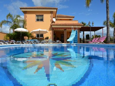 Photo for Villa with private heated pool garden, free wifi, up to 12 person