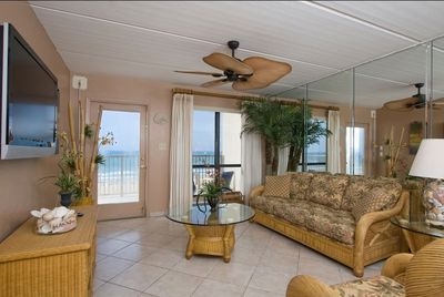 Living Room with Oceanview, Sleeper Sofa and 47' LCD TV, Xbox 360